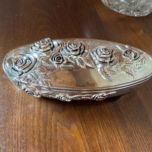 Godinger silver plate jewelry box with roses 🌹